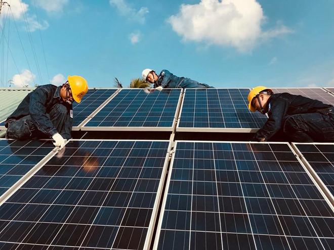 Điện mặt trời trên mái nhà hết
